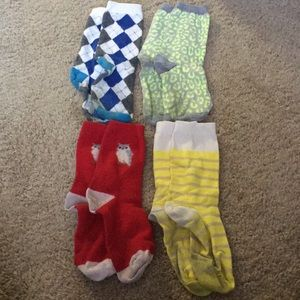 4 pair of Gap Crew Socks